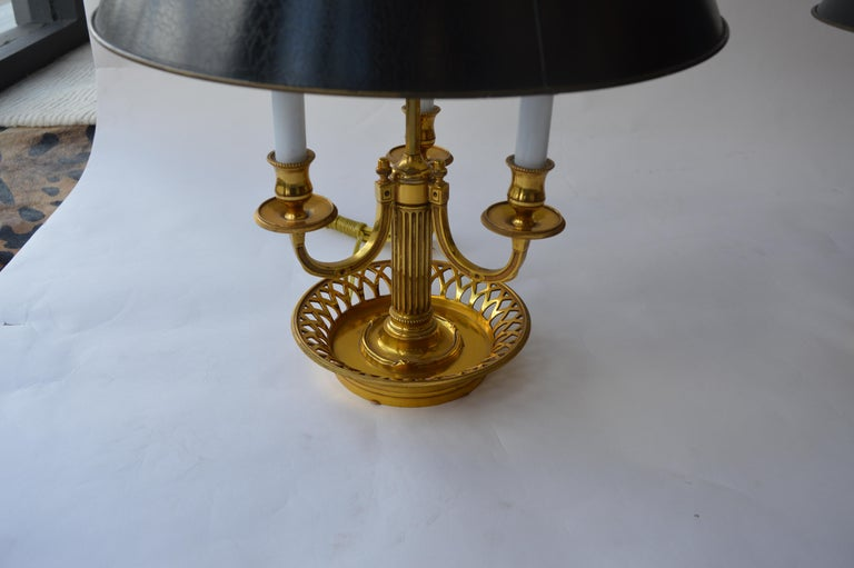 Pair of Brass Tole Table Lamps In Excellent Condition For Sale In Los Angeles, CA