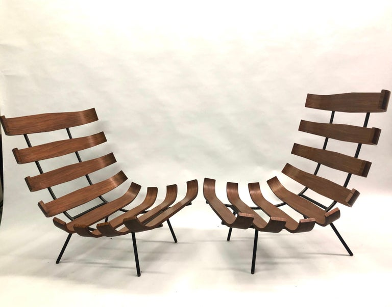 Mid-Century Modern Pair of Brazilian 'Costela' Lounge Chairs by Carlo Hauner & Martin Eisler, 1954 For Sale
