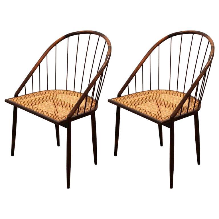 Pair of Brazilian Modern Cane Curva Chairs by Joaquim Tenreiro For Sale