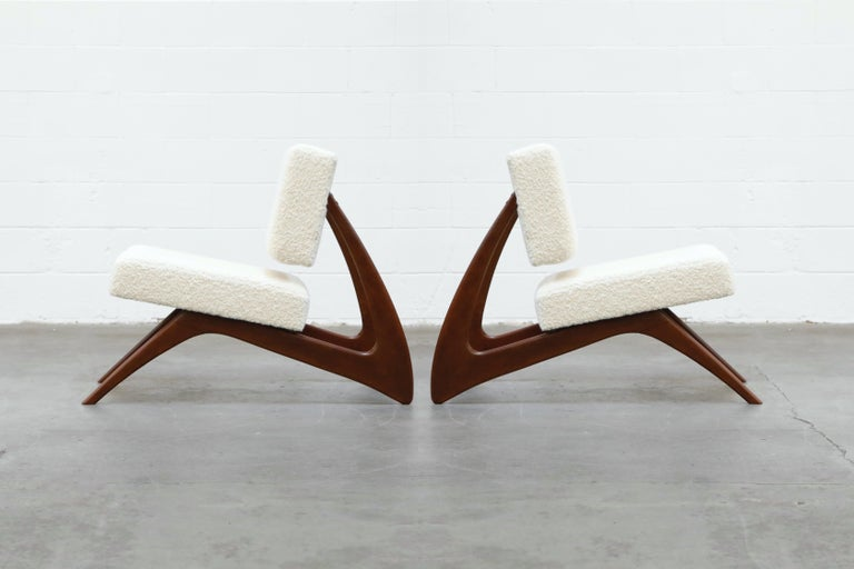 Mid-Century Modern Pair of Brazilian Modern Sculptural Lounge Chairs in Alpaca Bouclé, 1960s For Sale