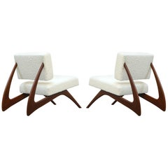 Pair of Brazilian Modern Sculptural Lounge Chairs in Alpaca Bouclé, 1960s