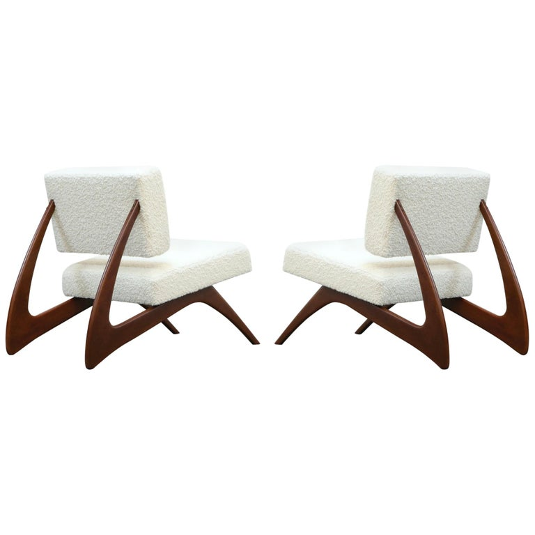 Pair of Brazilian Modern Sculptural Lounge Chairs in Alpaca Bouclé, 1960s For Sale