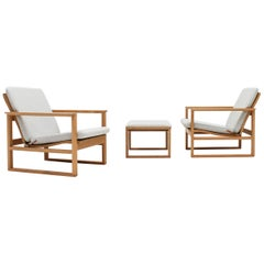Pair of Børge Mogensen 2256 Lounge Chairs with Footstool, Fredericia, Denmark