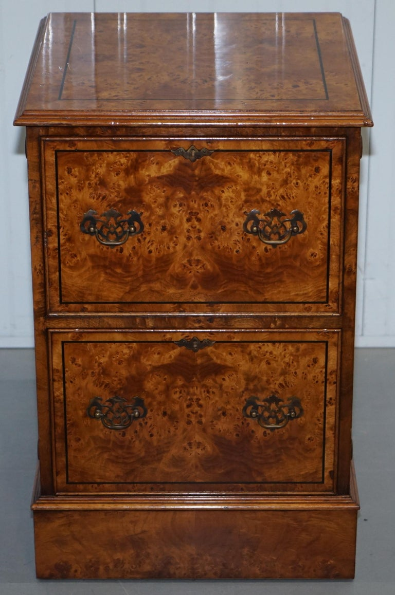 Pair of Brights of Nettlebed Burr Walnut Office Filing Cabinets Desk For Sale 6