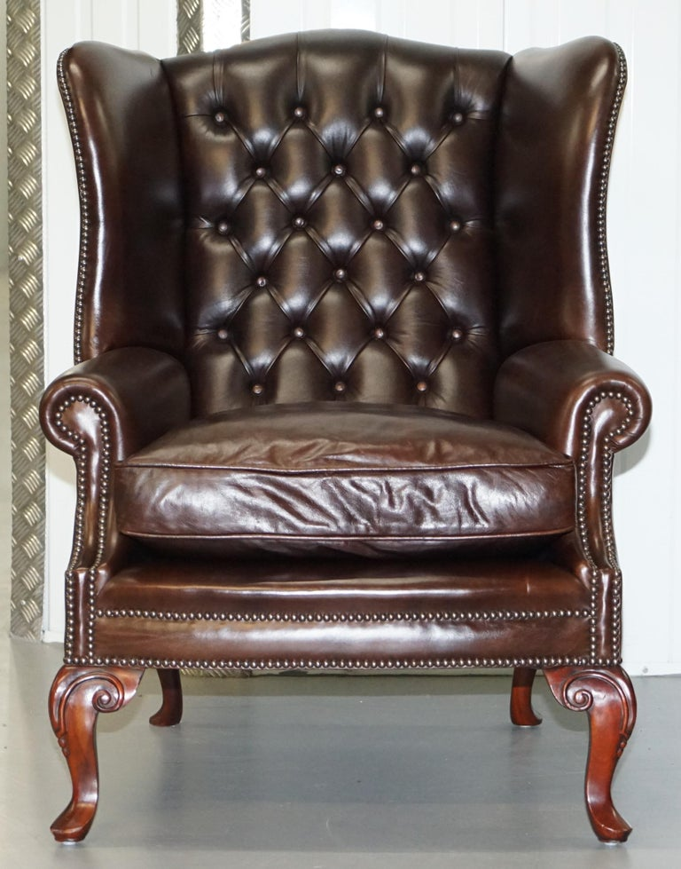 English Pair of Brights of Nettlebed Chesterfield Brown Leather Wing Armchairs For Sale