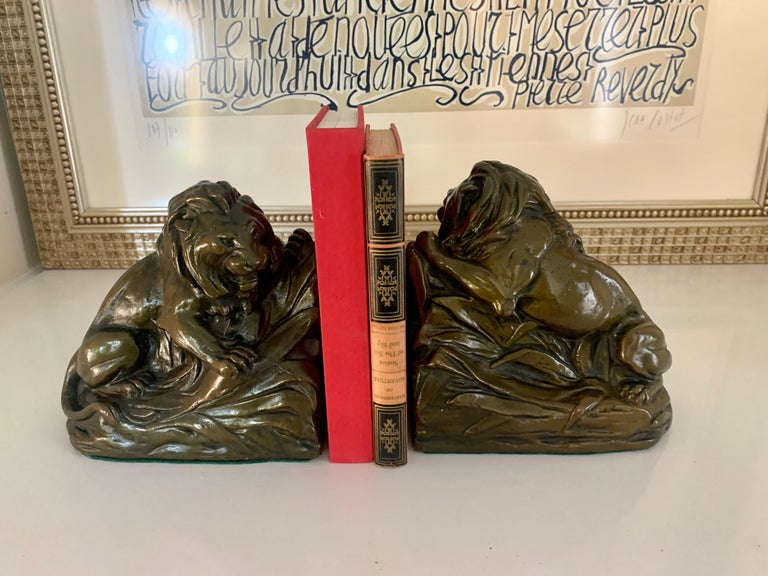 Powder-Coated Pair of Bronze Clad Lion Bookends For Sale