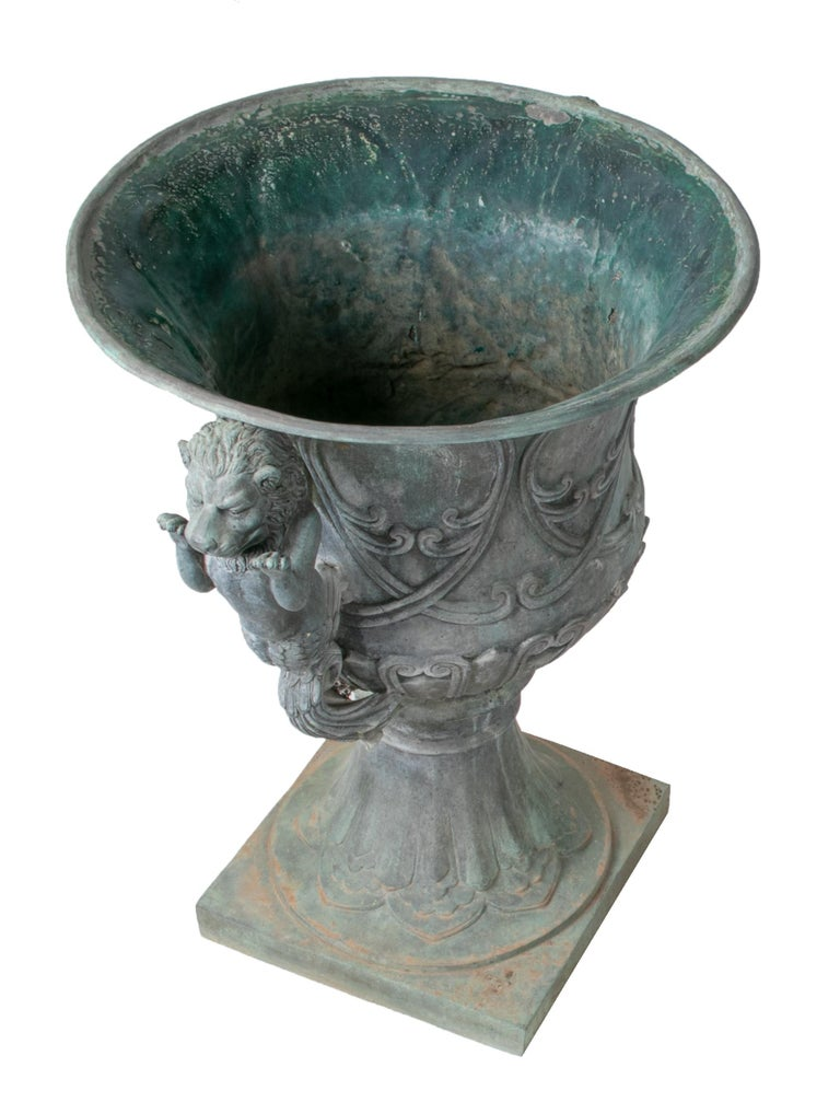 Pair of Bronze Garden Urns with Lions in Old Green Patina For Sale 3