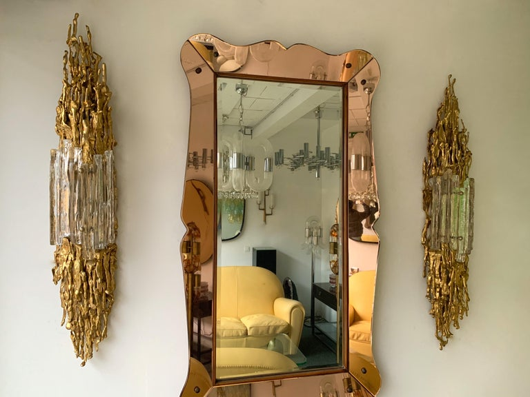 Rare and large pair of gilt bronze wall lamps light sconces, Murano glass diffusor. Unique and singular technique used by Boeltz and called by him