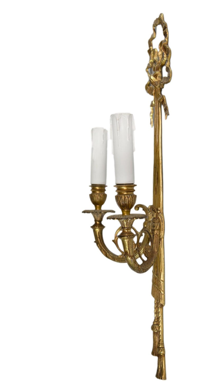 20th Century Pair of Bronze Wall Light Sconces For Sale