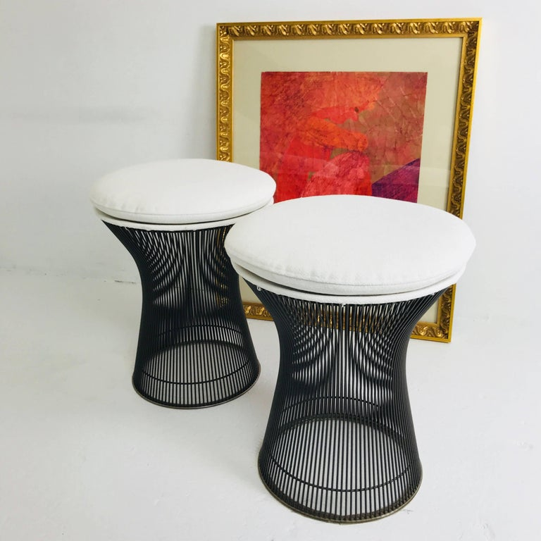Pair of Bronze Warren Platner Stools In Good Condition For Sale In Dallas, TX