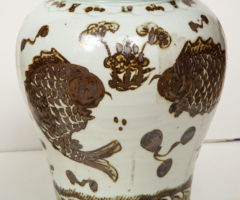 Chinese Pair of Brown and White Ginger Jars For Sale