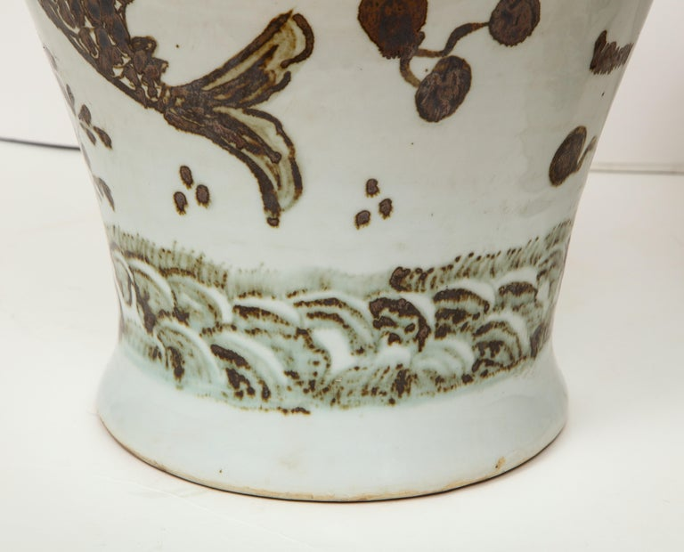 20th Century Pair of Brown and White Ginger Jars For Sale