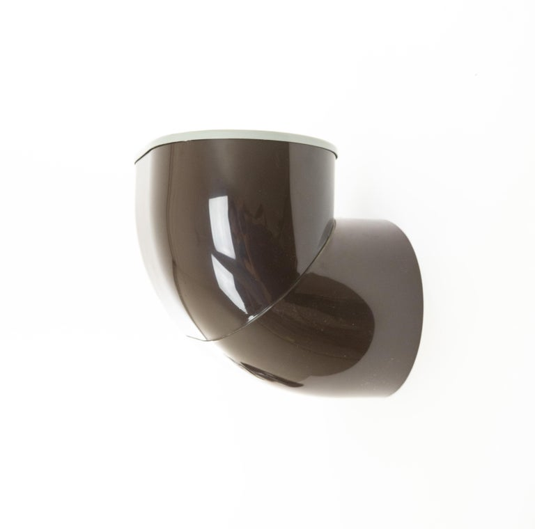Pair of Brown Gomito Wall Lamps by Gae Aulenti for Stilnovo, 1970s In Good Condition For Sale In Rotterdam, NL
