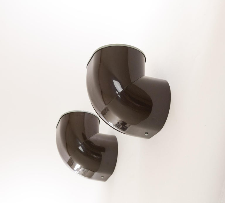 Pair of Brown Gomito Wall Lamps by Gae Aulenti for Stilnovo, 1970s For Sale 1