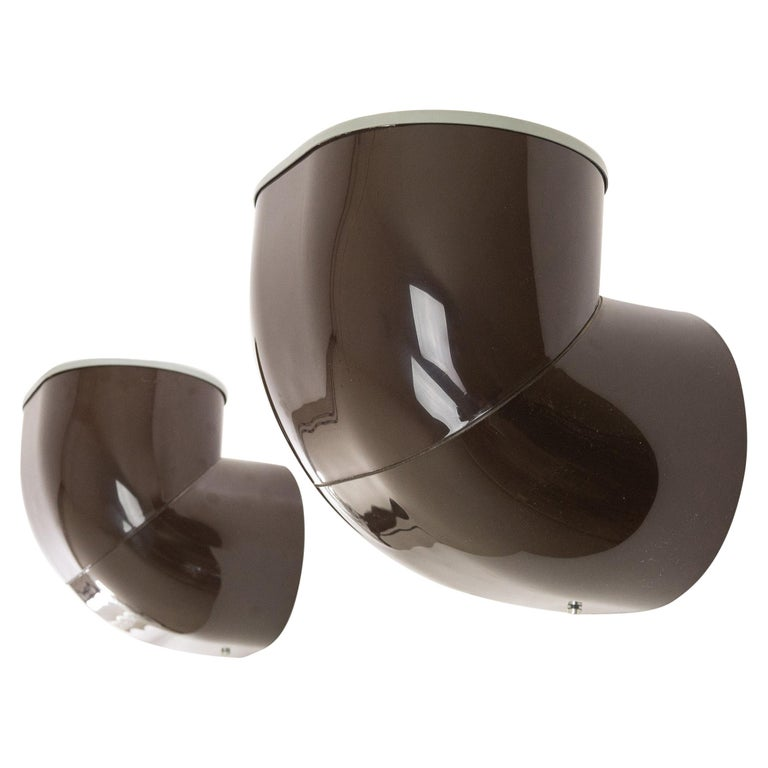 Pair of Brown Gomito Wall Lamps by Gae Aulenti for Stilnovo, 1970s For Sale