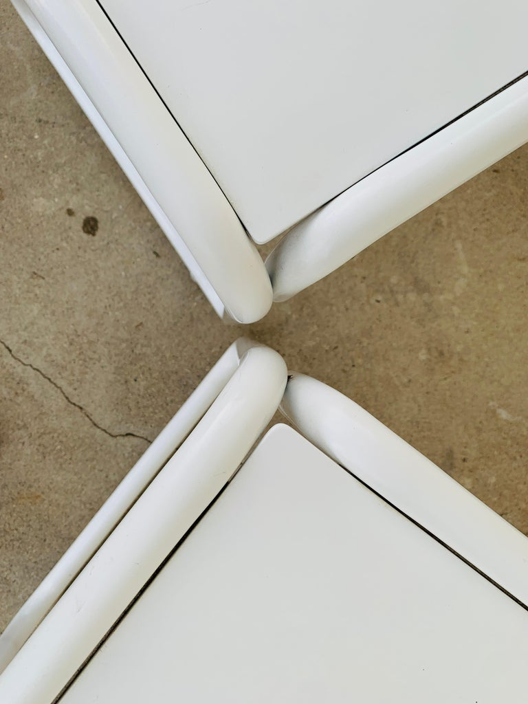 Pair of Brown Jordan Patio Table in White Metal For Sale 10