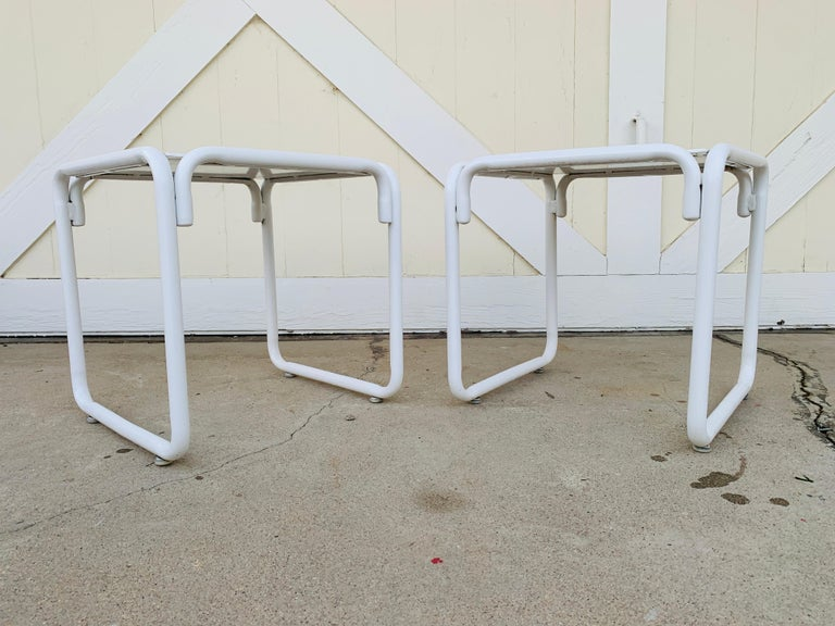 Pair of Brown Jordan Patio Table in White Metal In Good Condition For Sale In Los Angeles, CA