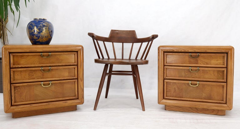 American Pair of Broyhill Three Drawer Nightstands End Side Tables For Sale