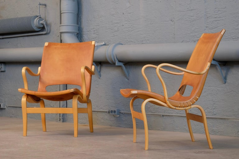 Scandinavian Modern Pair of Bruno Mathsson Leather Eva Easy Chairs, 1960s For Sale