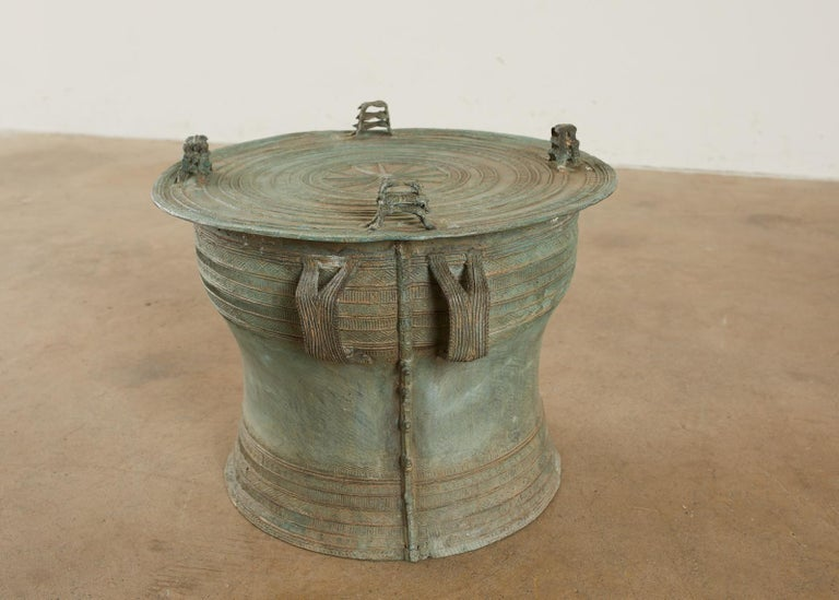 Pair of Burmese Bronze Rain Drum Drink Tables In Distressed Condition For Sale In Rio Vista, CA