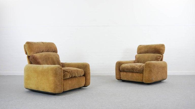Pair of Busnelli Piumotto Easy Chairs by Architect Arrigo Arrigoni, Italy 5