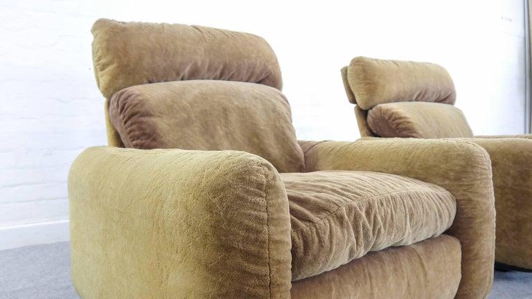 Elegant pair of easy chairs, Model: