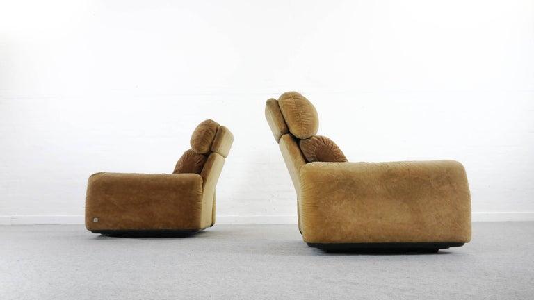Pair of Busnelli Piumotto Easy Chairs by Architect Arrigo Arrigoni, Italy 1