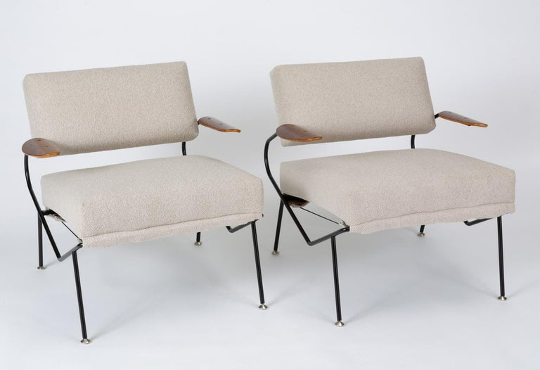 Mid-Century Modern Pair of California Modern Lounge Chairs by Dan Johnson for Selig For Sale