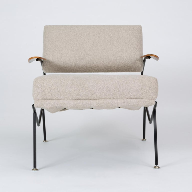 American Pair of California Modern Lounge Chairs by Dan Johnson for Selig For Sale