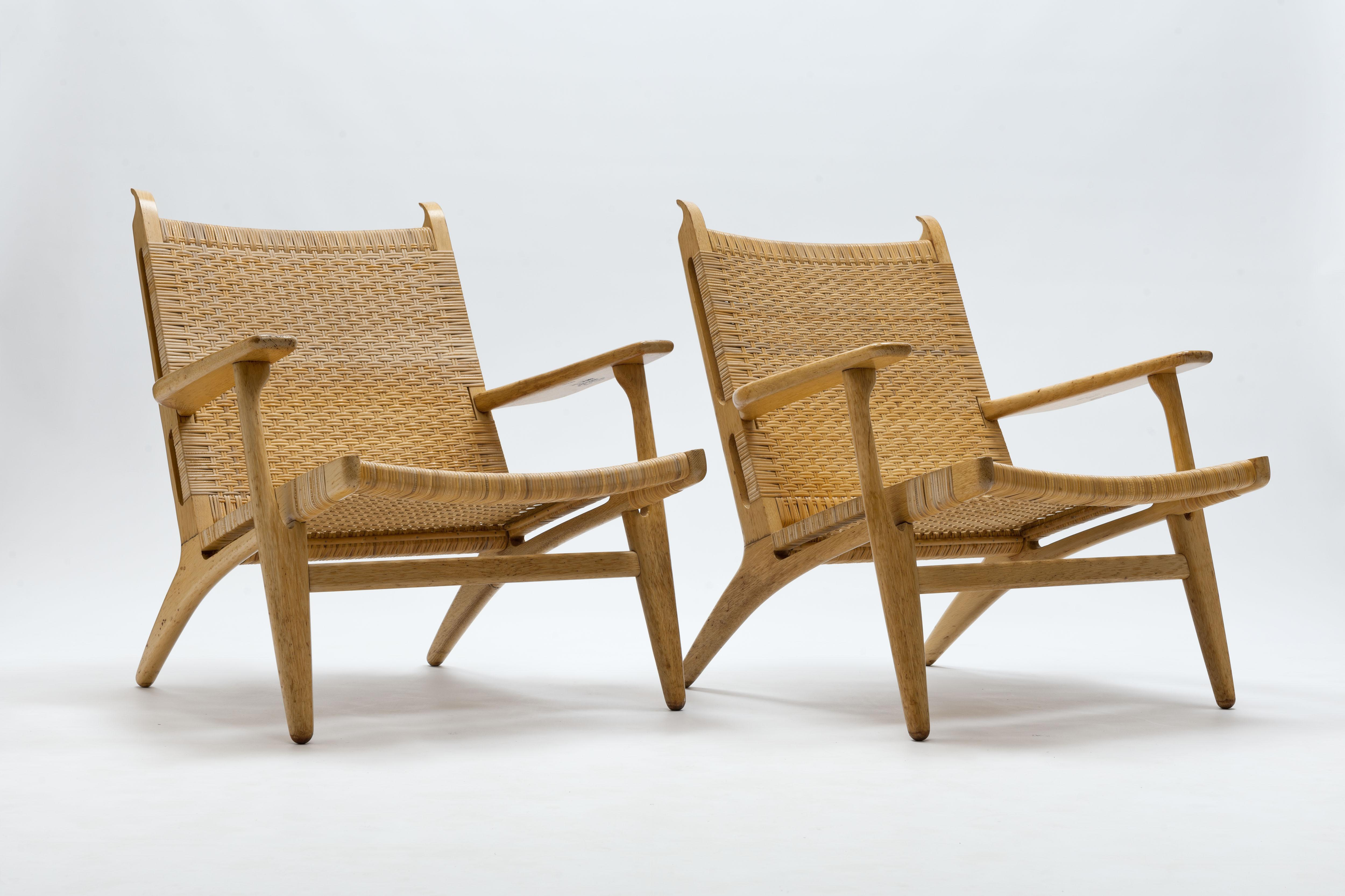 Hans Wegner Stoel : Pair of cane and oak hans wegner ch lounge chairs carl hansen