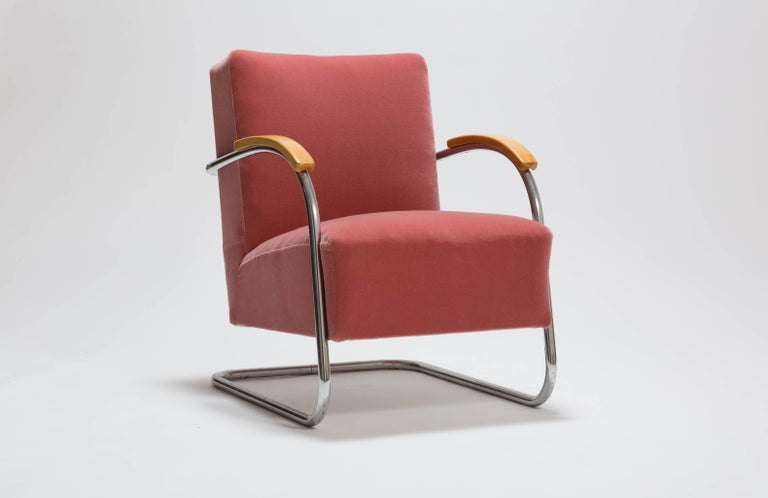 Bauhaus Pair of Cantilever Tubular Steel Armchairs by Thonet with Mohair Upholstery For Sale