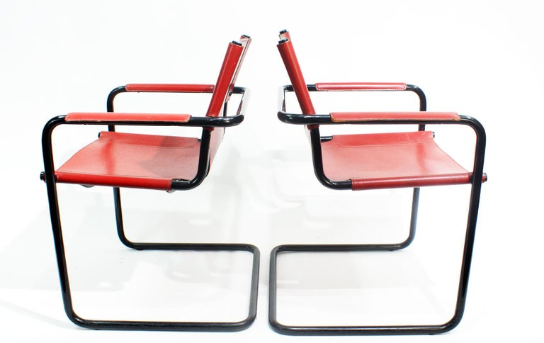 Vintage Matteo Grassi cantilever stylish visitor side chairs, Italy, 1970s. Signed Matteo Grassi on the leather. It is a Bauhaus chair designed by Mart Stam for Matteo Grassi in the 1970s. In the style of Marcel Breuer. The chair features red