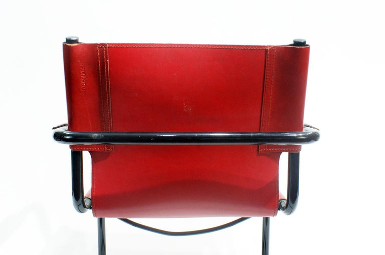 20th Century Pair of Cantilever Visitor Side Chairs, Signed Matteo Grassi, Italy, 1970s For Sale