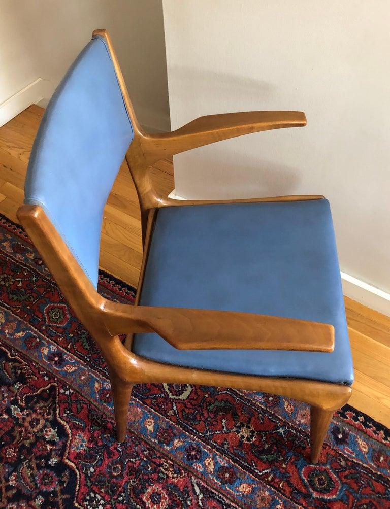 Walnut Pair of Carlo de Carli Model 162 Armchairs For Sale