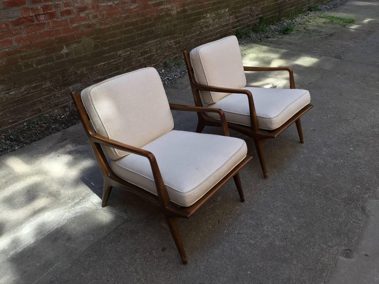 Pair of Carlo di Carli Walnut Armchairs for M. Singer & Sons In Good Condition For Sale In Garnerville, NY