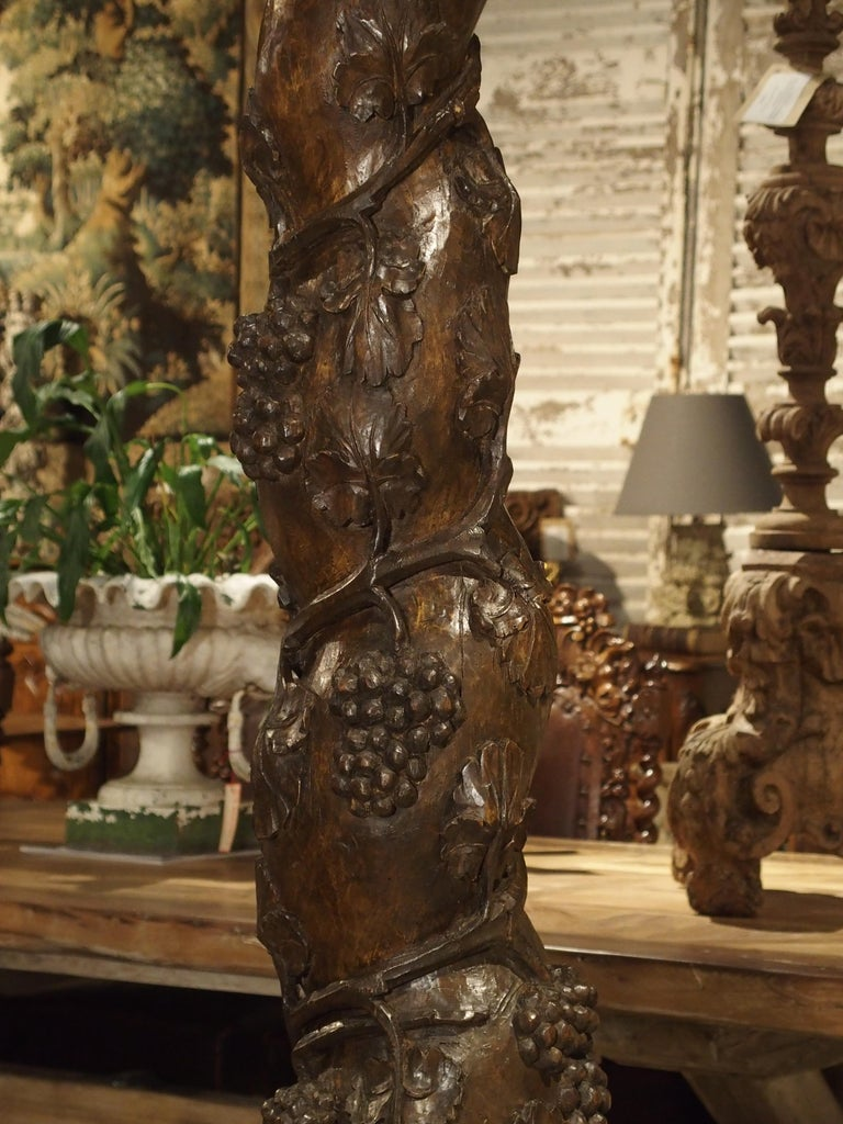 Pair of Carved 17th Century Solomonic Columns from France For Sale 1