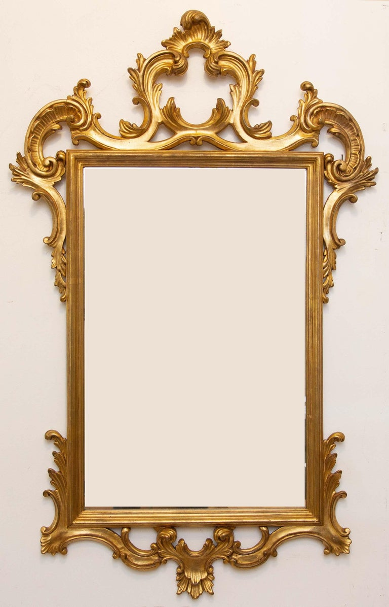 Pair of Carved and Gilt Italian Console Mirrors In Good Condition For Sale In Rochester, NY
