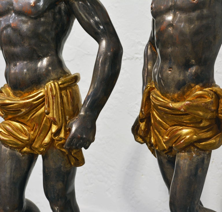 Wood Pair of Carved Midcentury Italian Table Lamps in the Form of Male Orientals For Sale