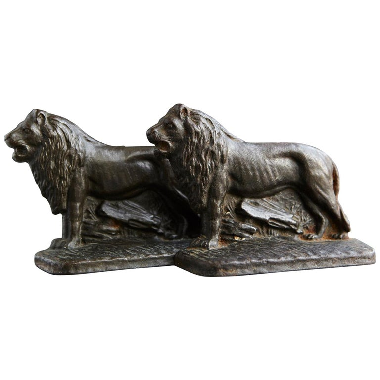 Pair of Cast Iron Lions Bookends, circa 1920s For Sale