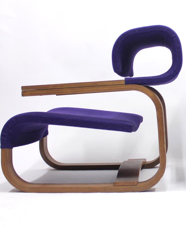 Pair of Chairs by Jan Bočan for the Czechoslovakian Embassy, Stockholm, 1972 For Sale 3