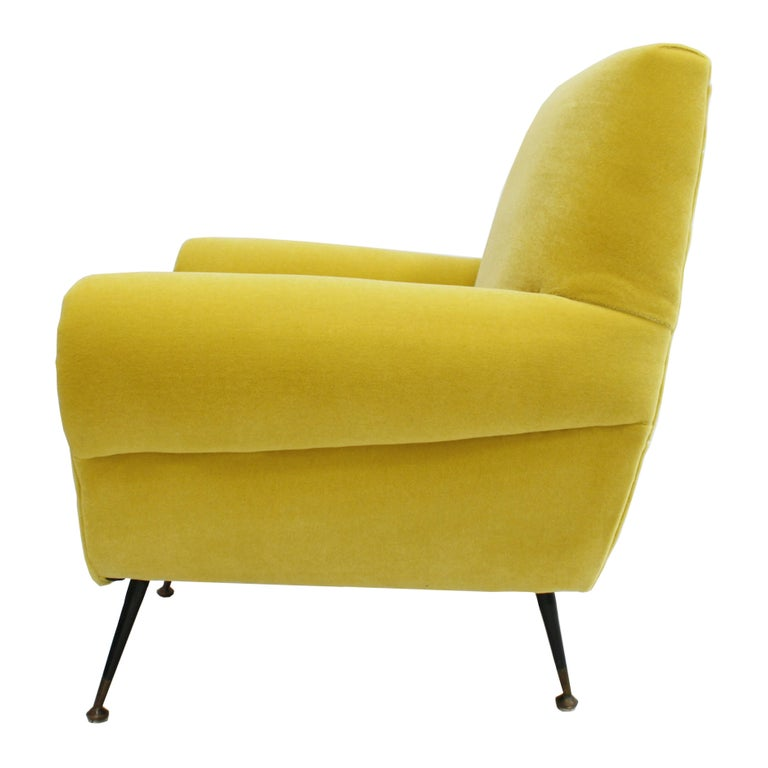 Italian Pair of Chairs, Design of Gigi Radice for Minotti, Italy, 1950 For Sale