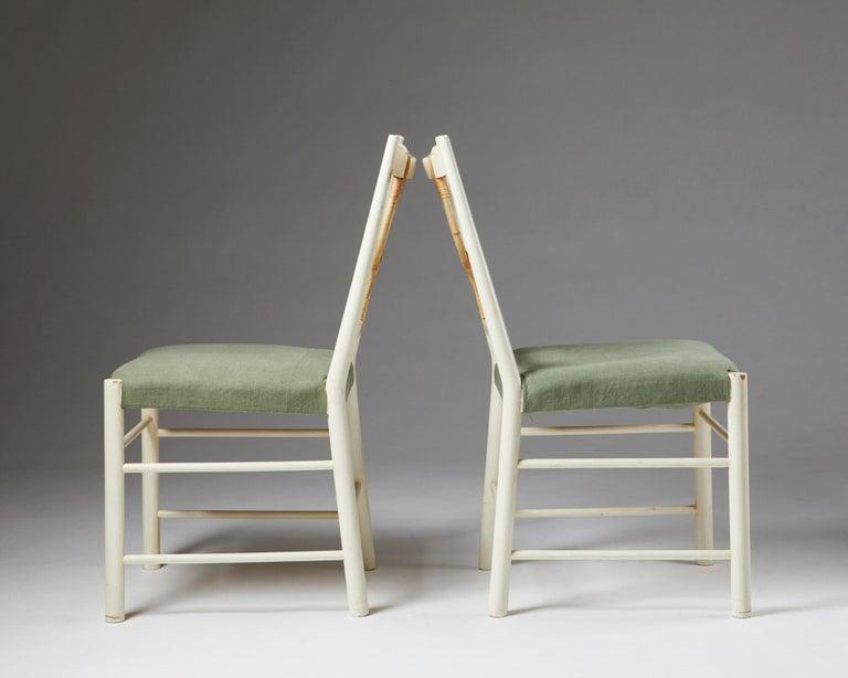 Pair of Chairs Model 2238 Designed by Josef Frank for Svenskt Tenn, Sweden, 1940 In Good Condition For Sale In Stockholm, SE