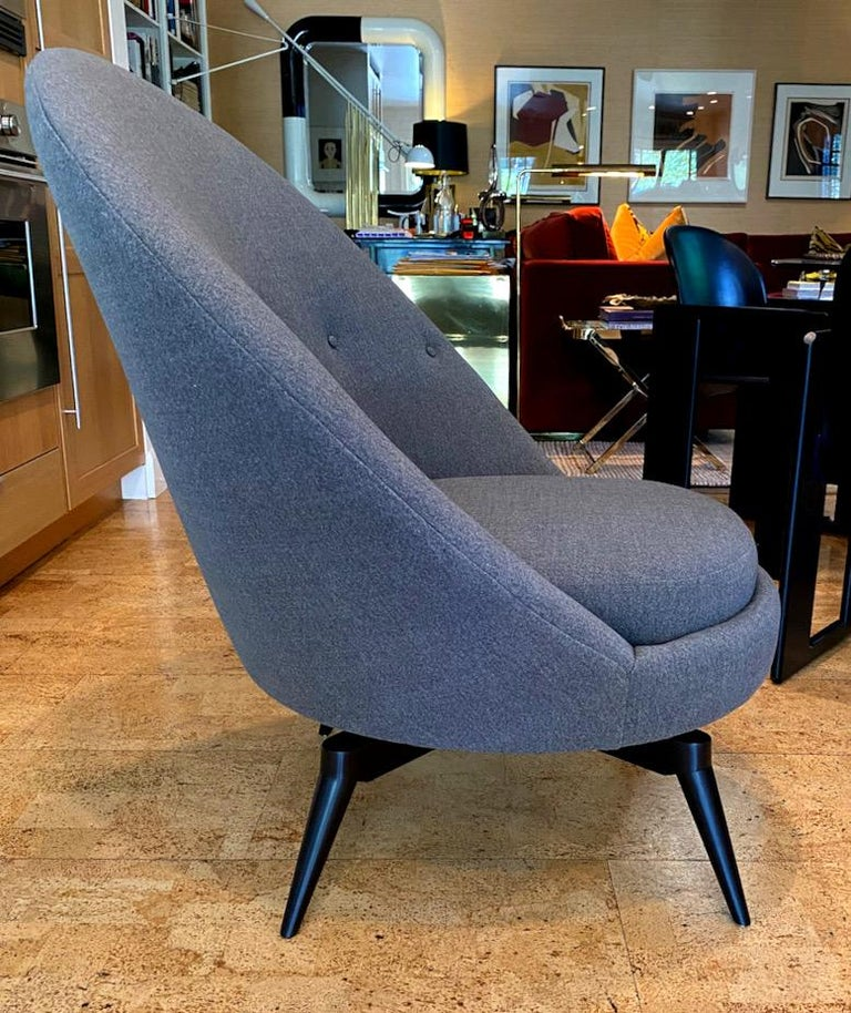 Mid-Century Modern Pair of Charcoal Gray Swivel Chairs For Sale