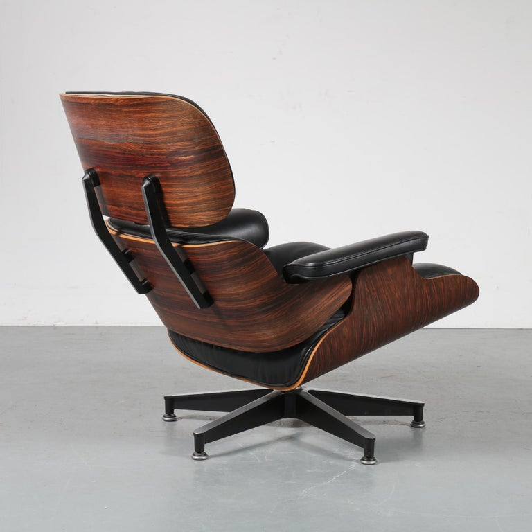 Pair of Charles and Ray Eames Lounge Chairs for Herman Miller, circa 1970 10