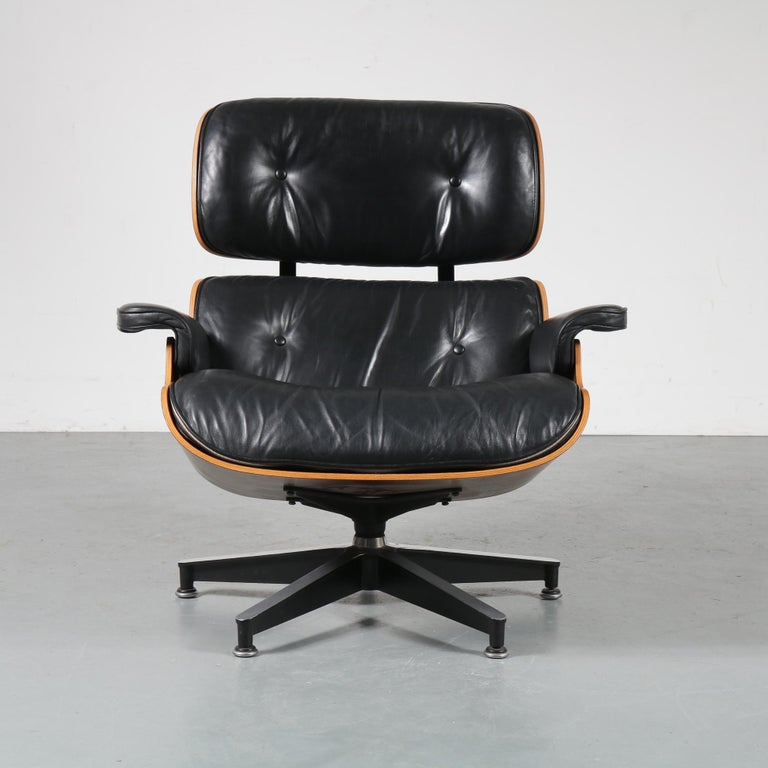 Pair of Charles and Ray Eames Lounge Chairs for Herman Miller, circa 1970 12