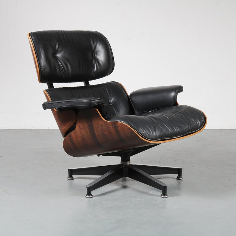 Pair of Charles and Ray Eames Lounge Chairs for Herman Miller, circa 1970 For Sale 6