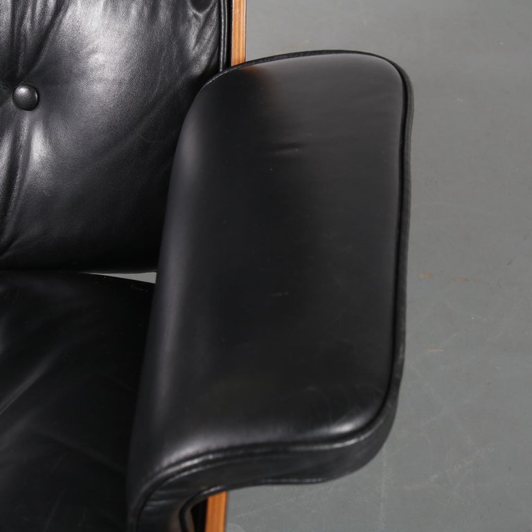 Pair of Charles and Ray Eames Lounge Chairs for Herman Miller, circa 1970 For Sale 9