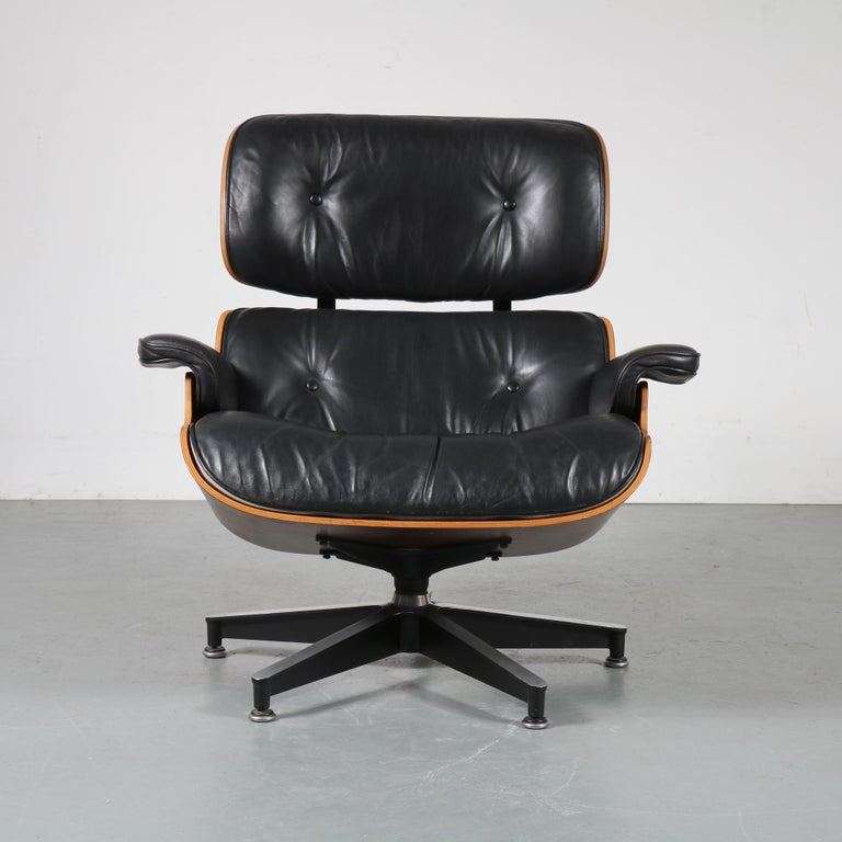 Pair of Charles and Ray Eames Lounge Chairs for Herman Miller, circa 1970 In Good Condition For Sale In Amsterdam, NL