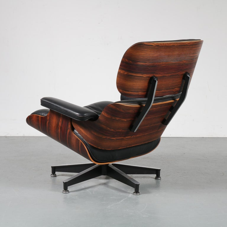 Pair of Charles and Ray Eames Lounge Chairs for Herman Miller, circa 1970 8