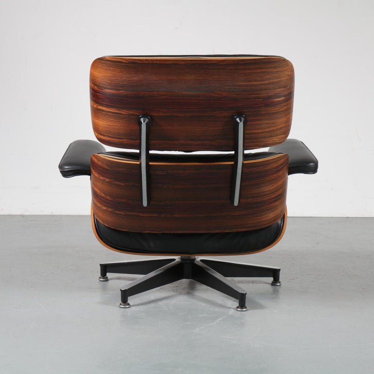Pair of Charles and Ray Eames Lounge Chairs for Herman Miller, circa 1970 For Sale 2